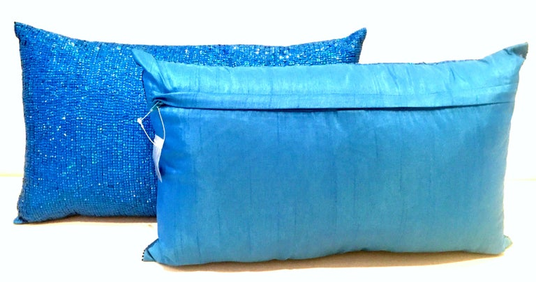 21st Century Pair of Electric Blue Crystal & Silk Rectangular Pillows In Excellent Condition For Sale In West Palm Beach, FL