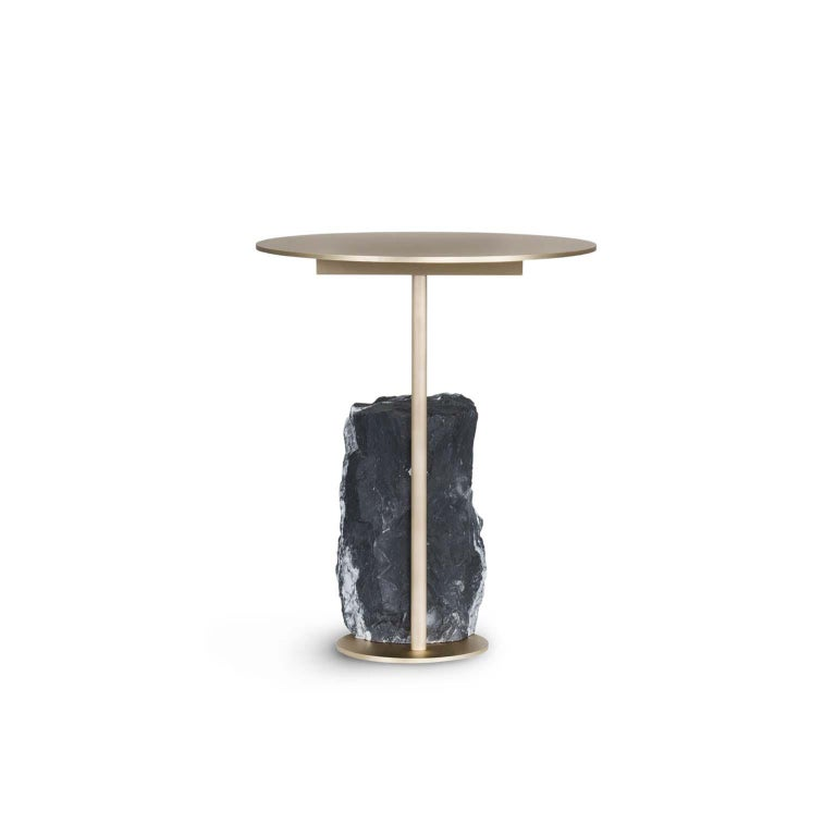 Side table in brushed brass with matte finish. Base block in matte Nero Marquina marble with a split face effect.