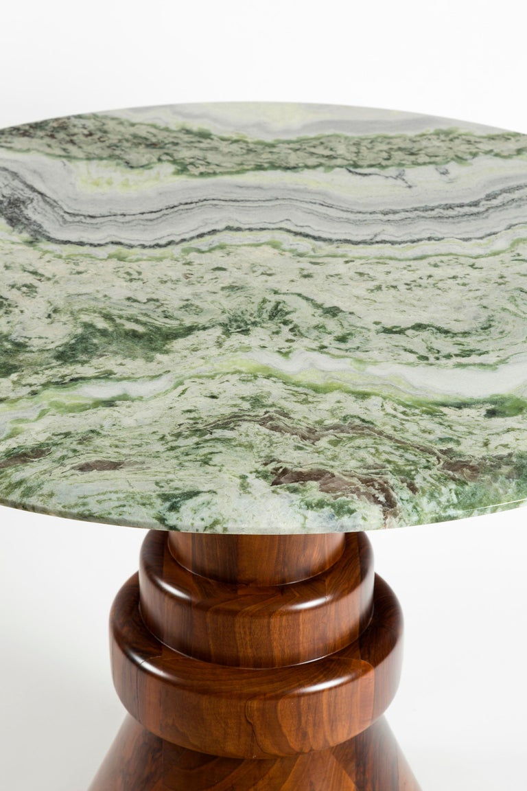 21st Century Pink Marble Round Dining Table with Sculptural Green Wooden Base In New Condition For Sale In Istanbul, TR