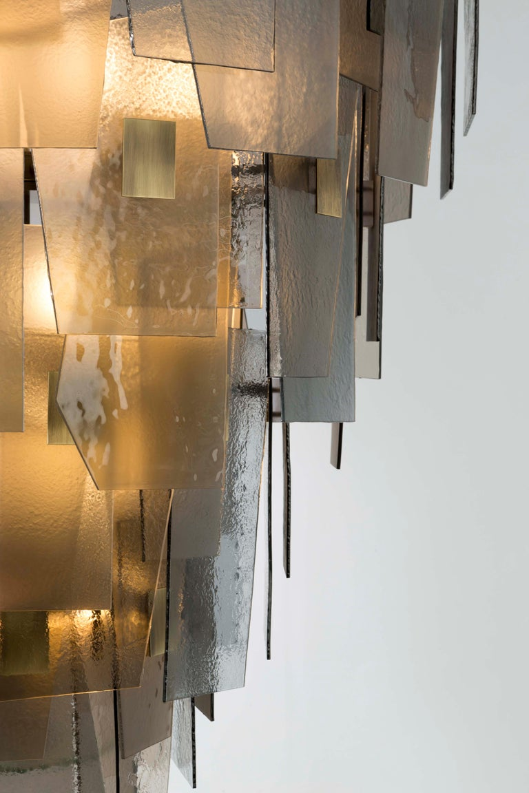 21st Century Sliver Midi Chandelier by Officina Luce Fumè & Amber Glass Shades In New Condition For Sale In Prato, IT