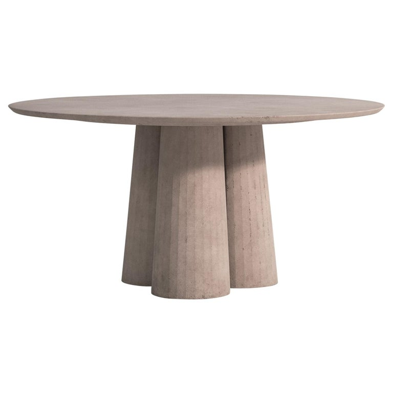 21st Century Studio Irvine Concrete Circular Dining Table Powder Cement Handmade For Sale