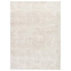 21st Century Traditional Inspired Floral Rug in Beige and White