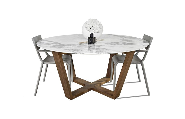 21st Century White Carrara Marble Teakwood Round Basket Outdoor Dining Table In New Condition For Sale In Carrara, IT