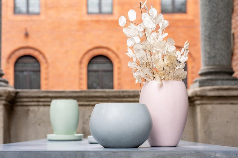21st Century Zazen Collection Concrete Vase Dark Grey Color, Mod. II For Sale 1
