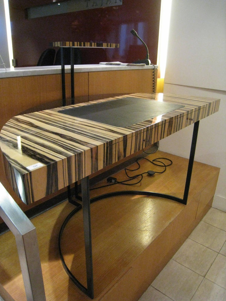 21th Century Desk Wight Ebony and Black Leather with Metal Leg by Aymeric Lefort In New Condition For Sale In SENLIS, OISE