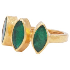 GURHAN 22-24 Karat Hammered Yellow Gold and Faceted Marquise Emerald Band Ring