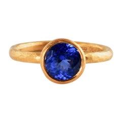 22 Carat Gold Ring with Round Tanzanite 2.04 Carat