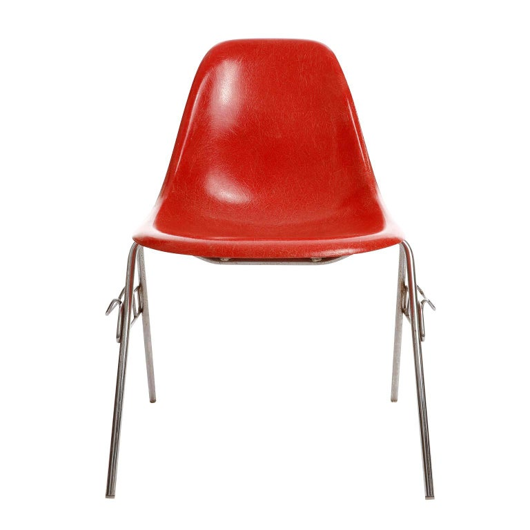 Mid-Century Modern 22 DSS Stacking Chairs, Charles & Ray Eames, Herman Miller, Red Fiberglass, 1974 For Sale
