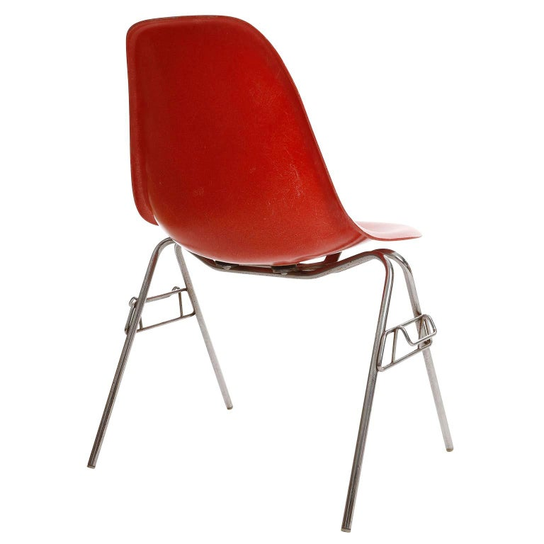Late 20th Century 22 DSS Stacking Chairs, Charles & Ray Eames, Herman Miller, Red Fiberglass, 1974 For Sale