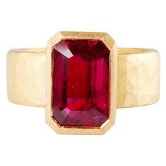 22 Karat Gold Hammered Ring Set with Step Cut Ruby 4.17 Carat