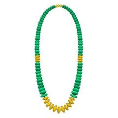 22 Karat Yellow Gold and Green Chrysoprase Sautoir Necklace