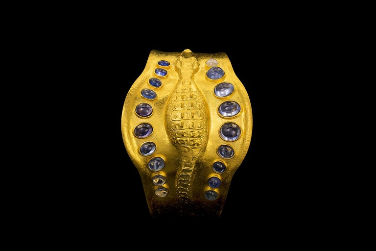 Egyptian Revival 22 Karat Yellow Gold Sapphire and Moonstone Crocodile Cuff Bracelet For Sale