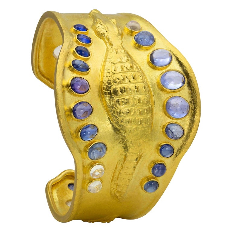 22 Karat Yellow Gold Sapphire and Moonstone Crocodile Cuff Bracelet For Sale