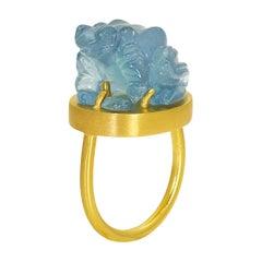 22 Karat Yellow Gold Statement Ring Blue Aquamarine Frog