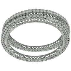 22 Pointer Each, 29 Ct Single Line Eternity 14 Kt Gold and Diamond Bangle, Pair