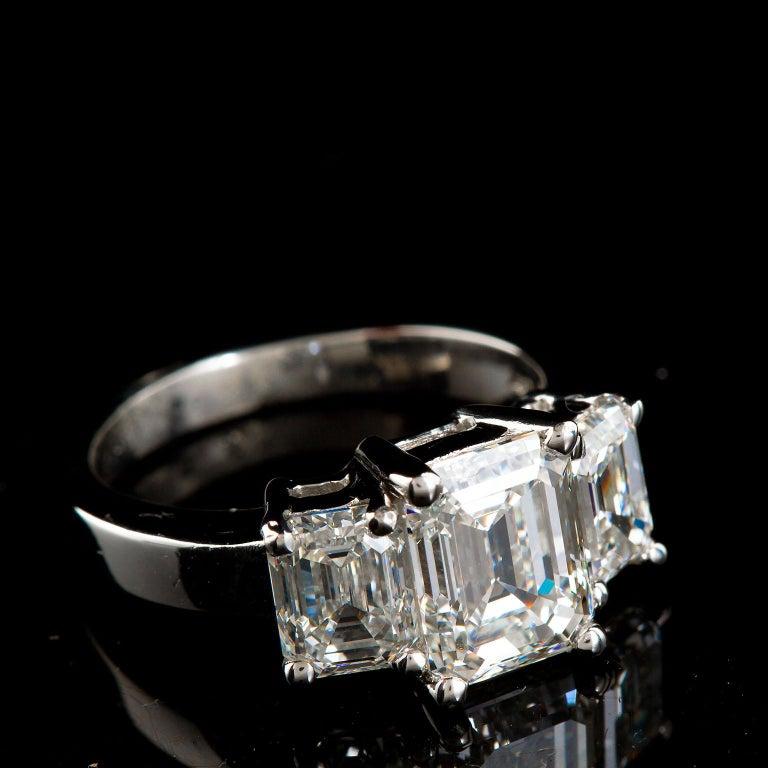Women's 2.20 Carat Centre Three-Stone Emerald Cut Diamond Platinum Ring GIA Certified For Sale