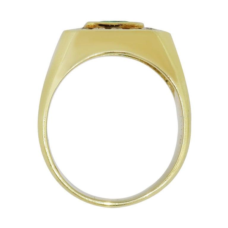 Round Cut 2.20 Carat Emerald Men's Ring For Sale