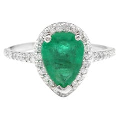 2.20 Carat Natural Colombian Emerald and Diamond 14 Karat Solid White Gold Ring