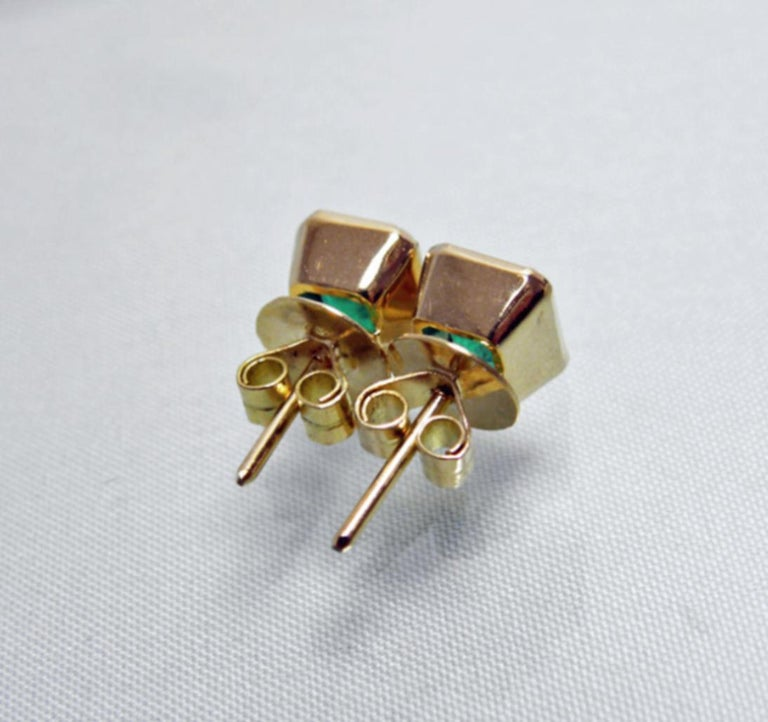 2.20 Carat Natural Colombian Emerald Stud Earrings 18 Karat Gold In New Condition For Sale In Brunswick, ME
