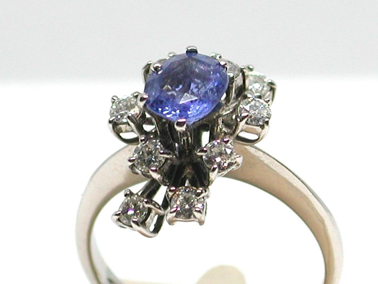 2.20 Carat White Gold Diamond Sapphire Engagement Ring In Excellent Condition For Sale In Antwerp, BE