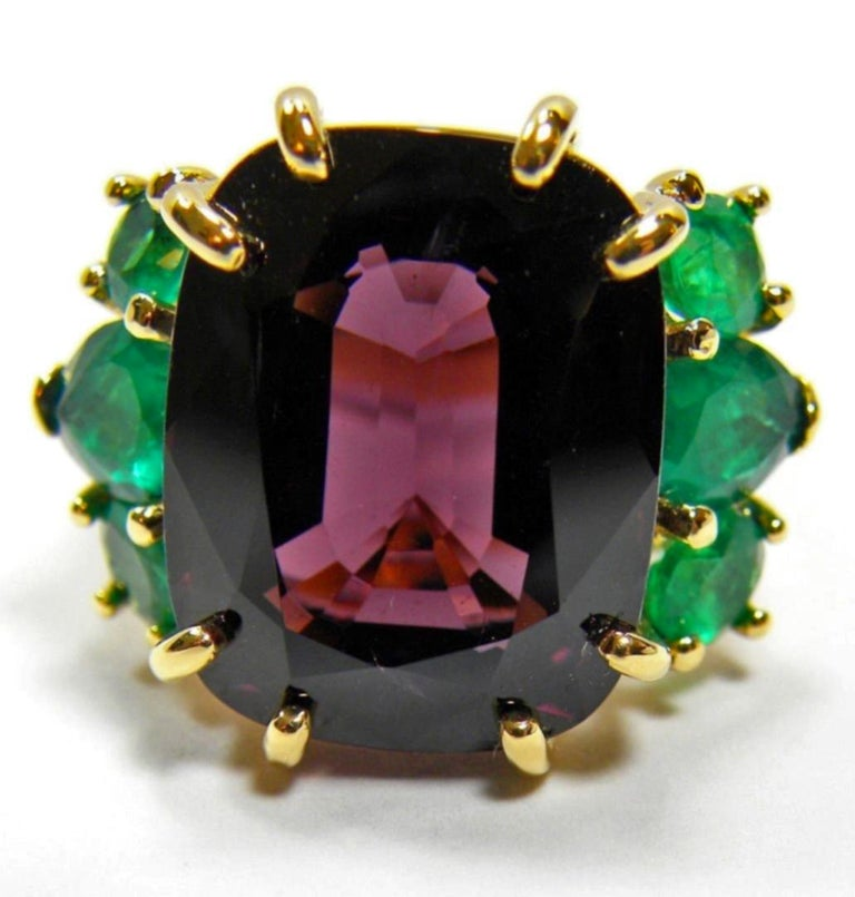 22.03 Carat Certified Fine Spinel Colombian Emerald Ring 18K For Sale 1