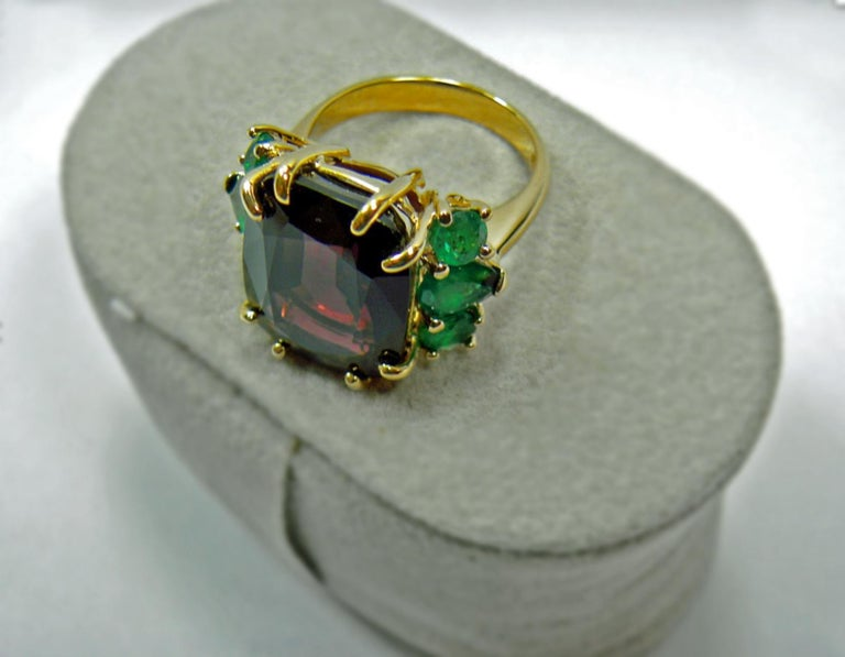 22.03 Carat Certified Fine Spinel Colombian Emerald Ring 18K For Sale 6