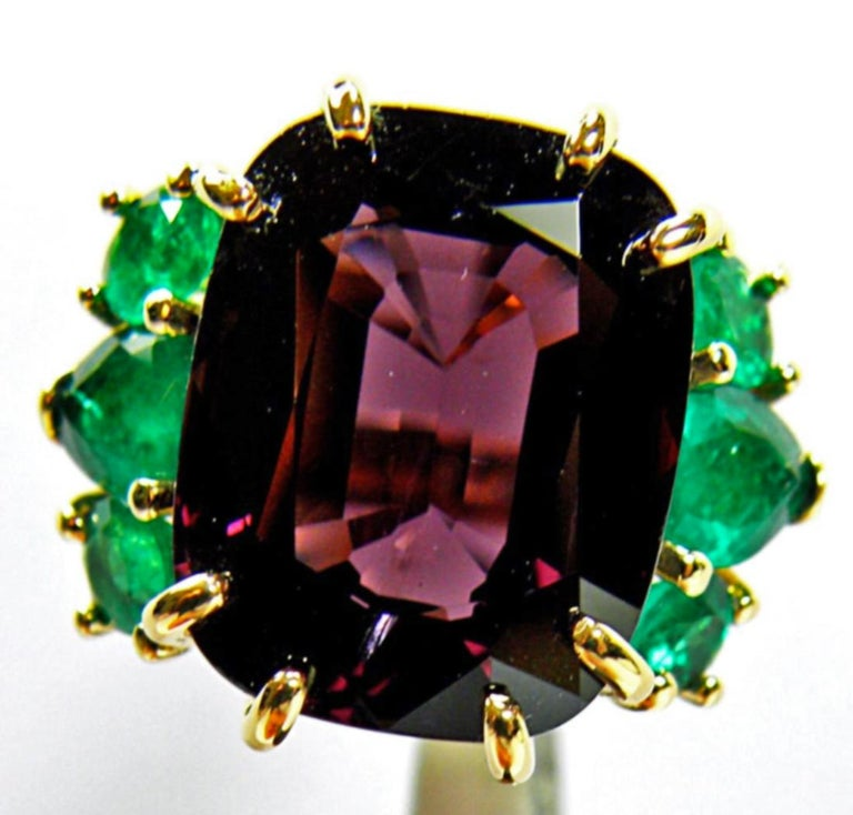Cushion Cut 22.03 Carat Certified Fine Spinel Colombian Emerald Ring 18K For Sale