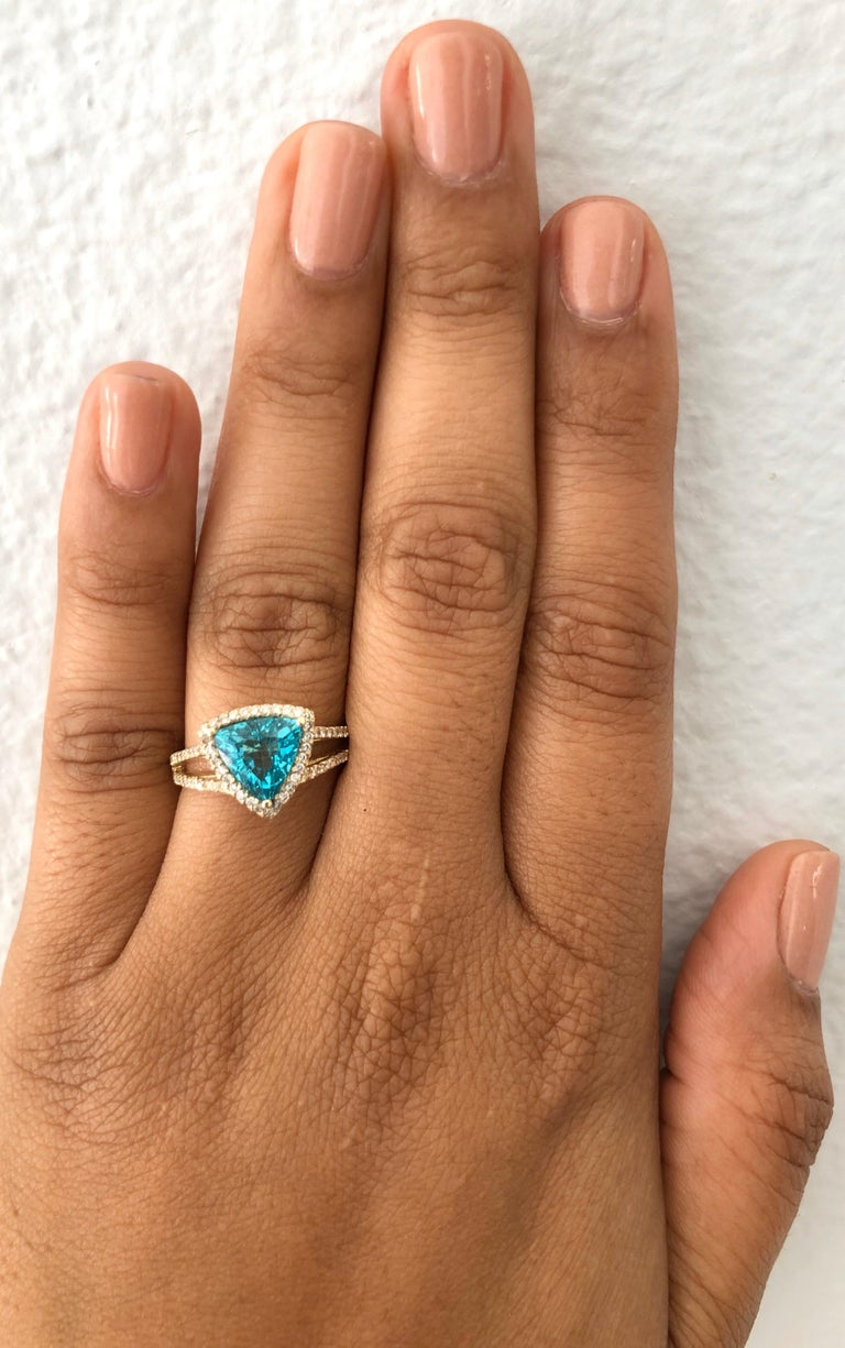 2.21 Carat Apatite Diamond 14 Karat Yellow Gold Cocktail Ring In New Condition In San Dimas, CA