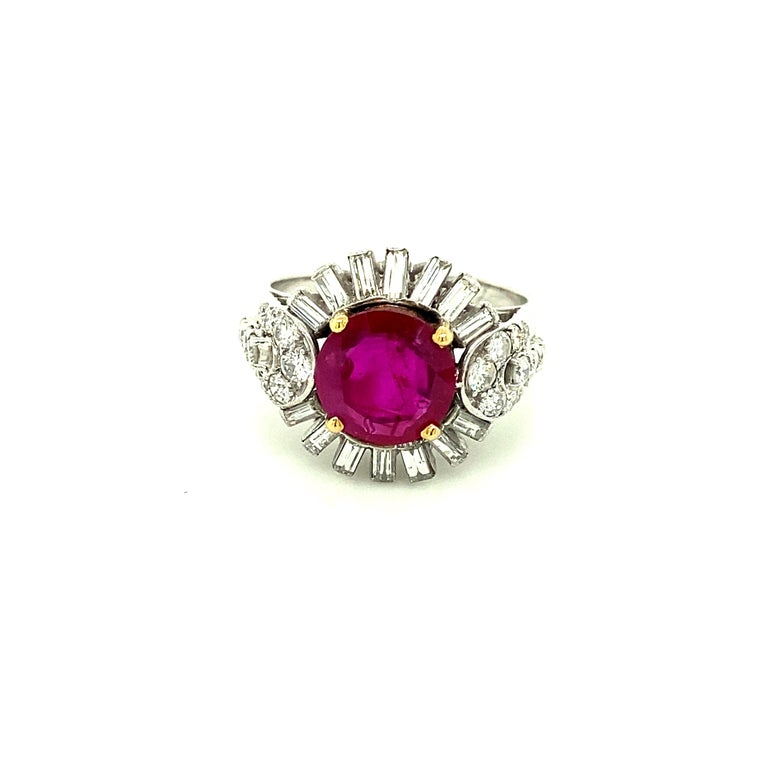 2.23 Carat Gubelin Certified Unheated Burmese Ruby and White Diamond Gold Ring For Sale 1