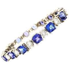 22.50 Carat Tanzanite and 5.75 Carat Diamond High-End 18 Karat Gold Bracelet