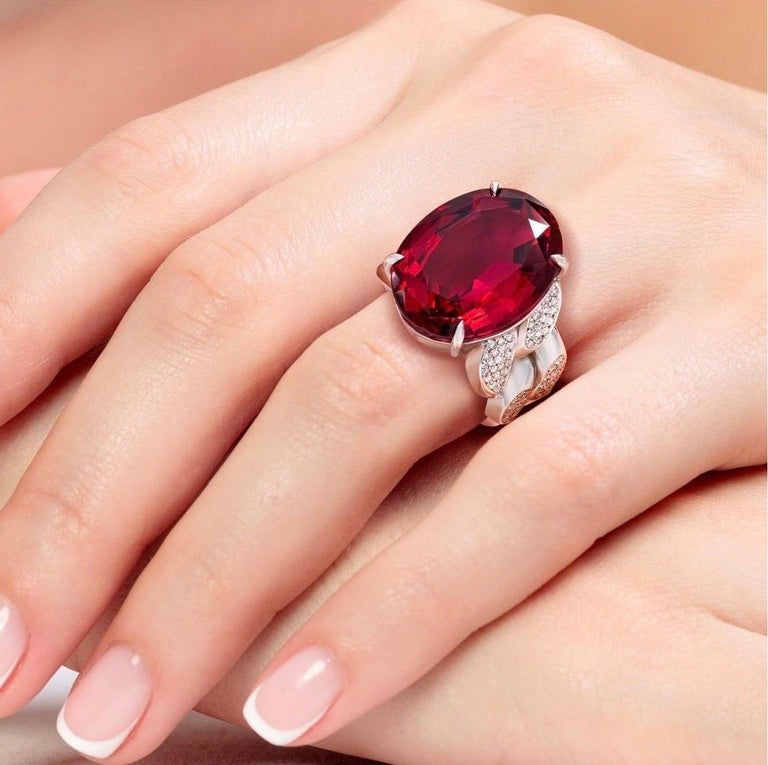 Contemporary 22.69 Carat Rubellite & Diamond Cuban Link 18k Gold Ring For Sale