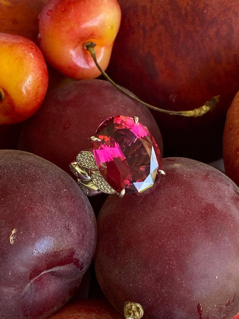 22.69 Carat Rubellite & Diamond Cuban Link 18k Gold Ring For Sale 3