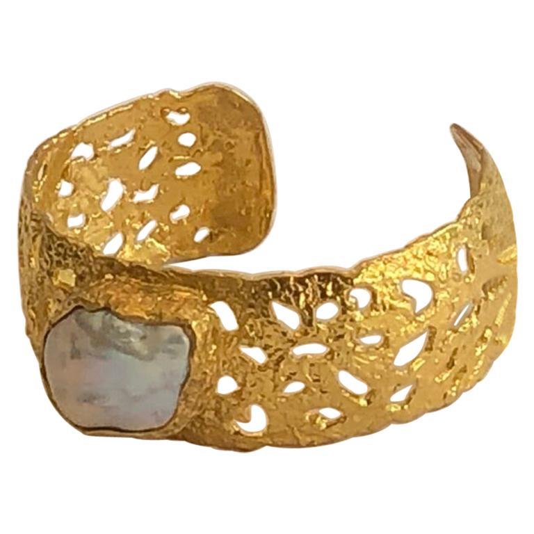 22k Gold Baroque Pearl Cuff