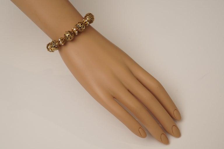 22 Karat Gold Bead Bracelet Pearl Rondelles by Deborah Lockhart Phillips In Good Condition For Sale In Nantucket, MA