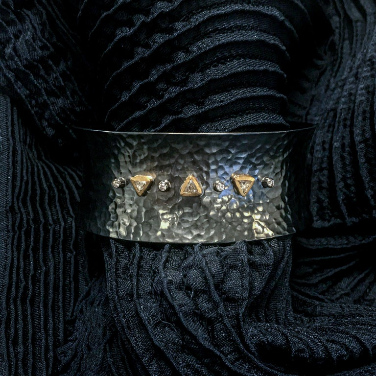 Modern 22 Karat Yellow Gold and Oxidized Silver Open Cuff Bracelet with Diamonds For Sale