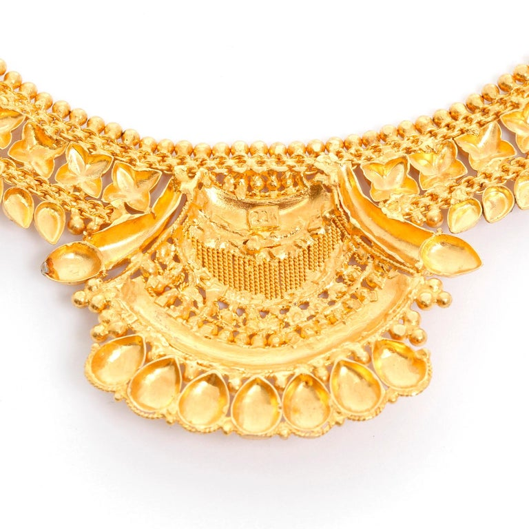 Women's 22 Karat Yellow Gold Indian Design Necklace For Sale
