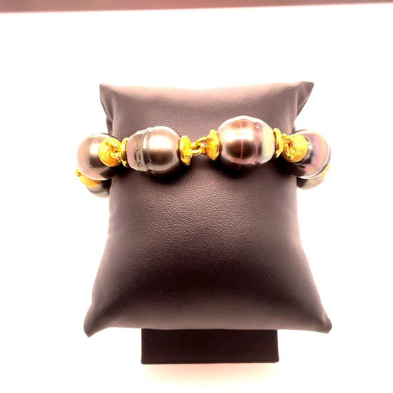 Classic Denise Roberge 22kt yellow gold bracelet with 7 Tahitian pearls