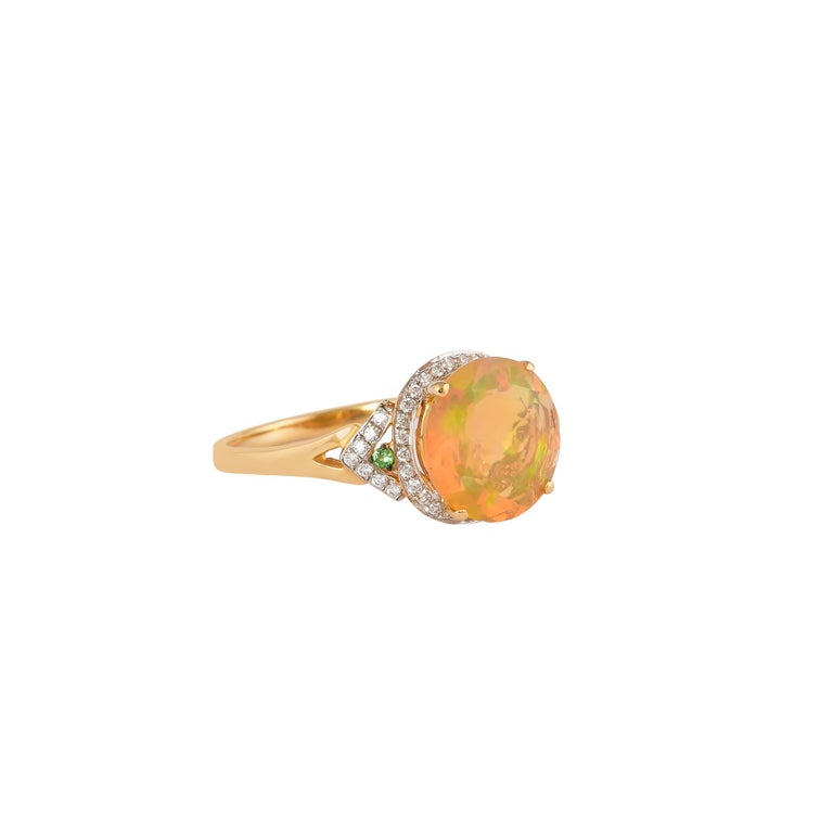 Sunita Nahata uses the most exquisite Ethiopian Opals accented with an dazzling diamonds to accentuate the fire and sparkle within these colorful opals. These gorgeous gemstones are set in yellow gold to strike a true royal feel to these rings.