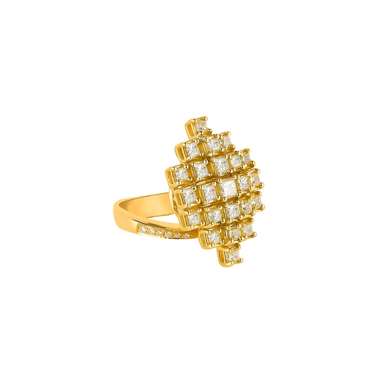 Contemporary 2.3 Carat Yellow Diamond Ring in 18 Karat Yellow Gold For Sale