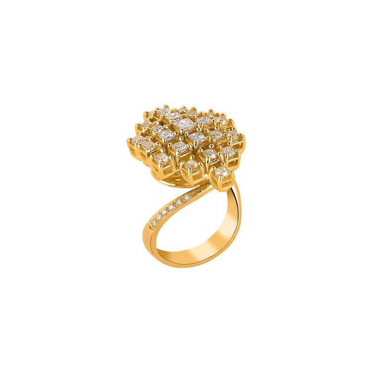 2.3 Carat Yellow Diamond Ring in 18 Karat Yellow Gold In New Condition For Sale In Hong Kong, Kowloon