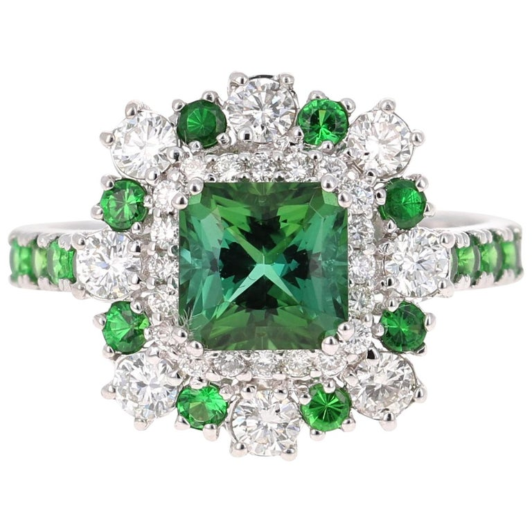 2.33 Carat Tsavorite and Diamond 18 Karat White Gold Engagement Ring For Sale