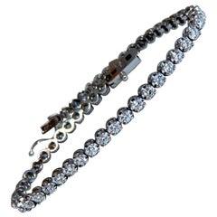 2.34 Carat Natural Diamonds Tennis Bracelet 14 Karat Gold Classic Riviera