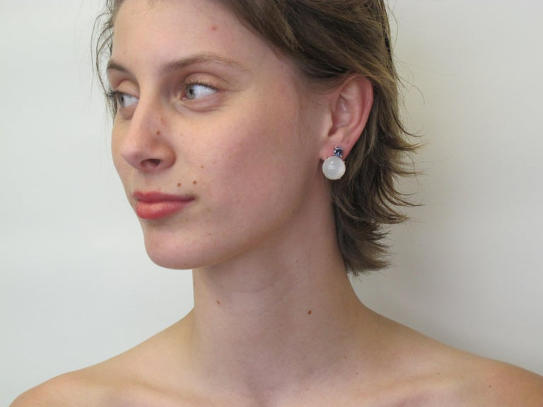 Round Cut 23.47 Carat Moonstone and 1.91 Carat Spinel 18 Karat White Gold Earrings For Sale