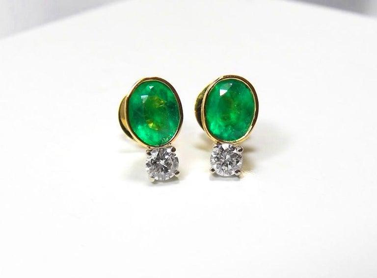 Round Cut 2.35 Carat Natural Colombian Emerald Diamond Stud Earrings 18 Karat For Sale