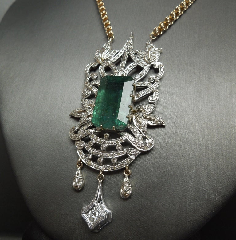 23.55 Carat Emerald Cut Emerald and Diamond Necklace In Good Condition For Sale In METAIRIE, LA