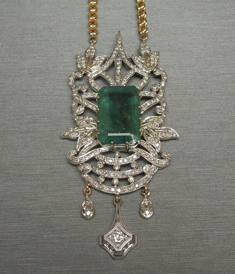 23.55 Carat Emerald Cut Emerald and Diamond Necklace For Sale 1