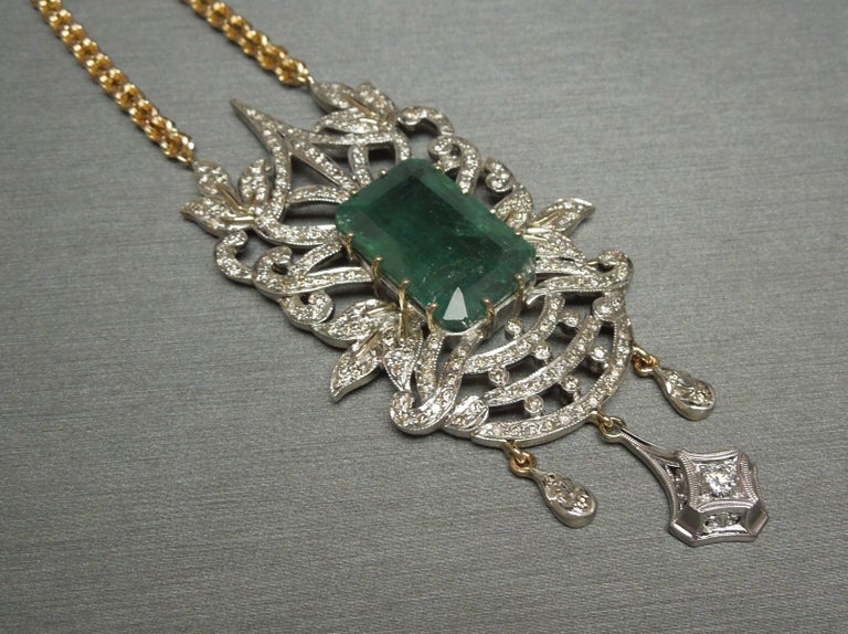 23.55 Carat Emerald Cut Emerald and Diamond Necklace For Sale 2