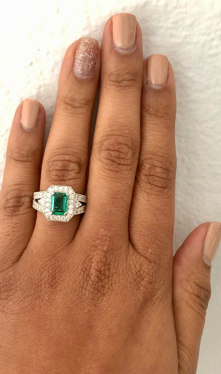 Women's 2.39 Carat Emerald Diamond 18 Karat White Gold Ring GIA Certified For Sale