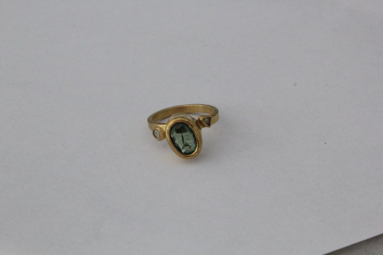 2.3Ct Russian Demantoid Garnet Yellow Diamonds 22K Gold Bridal Three-Stone Ring In New Condition For Sale In New York, NY