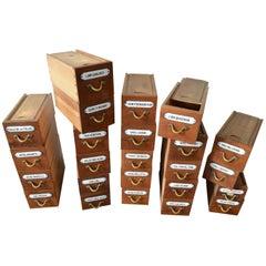 24 Apotheker Boxen mit emaillierten Label und figürlichen Bronze verarbeitet, spätes 19. Jahrhundert